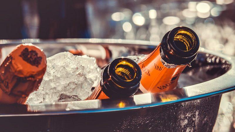 Coupe ou flûte : comment bien déguster du champagne ?